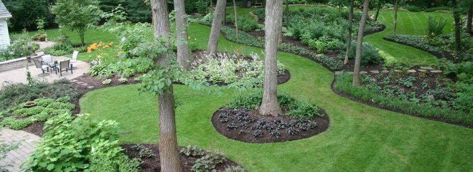 landscaper-carmel-zionsville-lawn-mulch-plants-fishers-indianapolis-carmel-landscaper